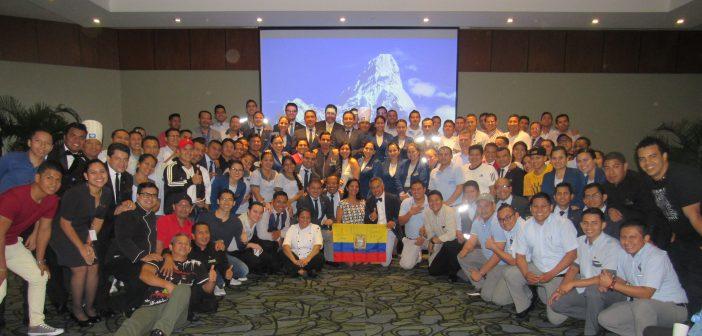 """Wyndham Guayaquil: """"Caminando hacia La Cima"""""""