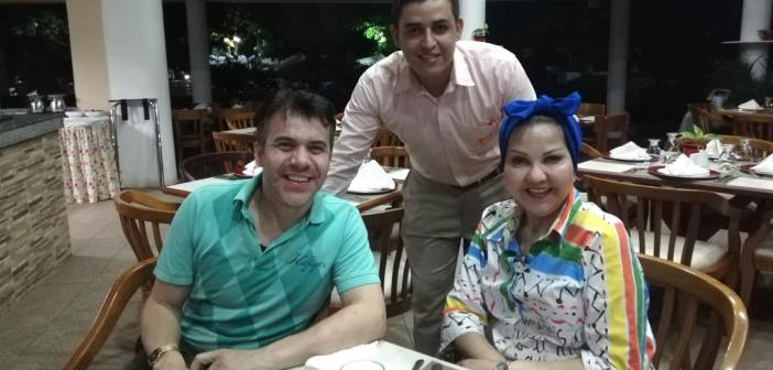 """La """"Gorda Fabiola"""" y """"Polilla"""" felices en El Puente"""