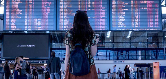 Los tableros antiguos (Split-Flap) de aeropuerto se niegan a desaparecer