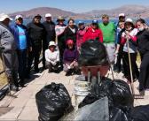 Limpiando el Lago Titicaca